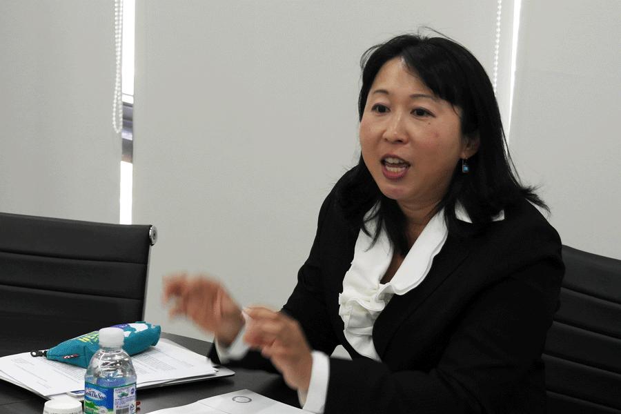 남중국해 영유권 분쟁의 특징을 설명 중인 마쓰오 치사코 교수